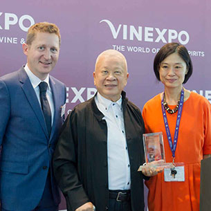 30/05/2018 - PETER KWOK : ASIAN PERSONALITY AWARD 2018 VINEXPO